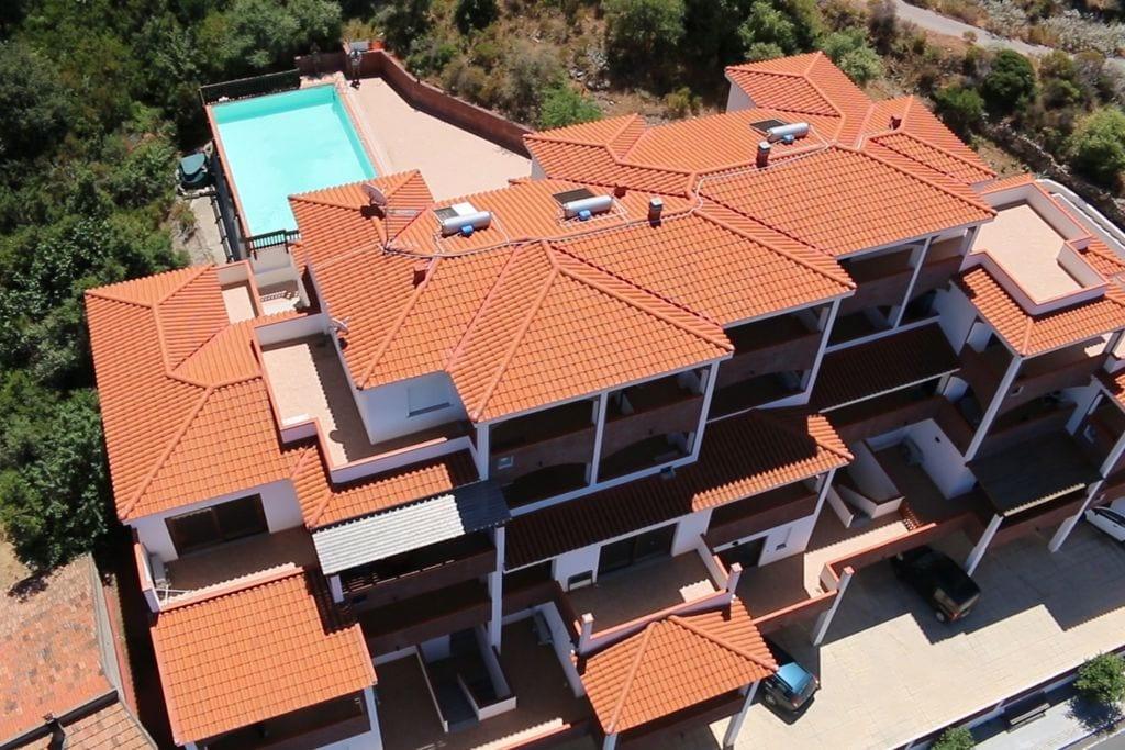 Appartement huren in Sardegna - met zwembad nabij Strand  met zwembad voor 6 personen  Het appartement is gelegen op het ..