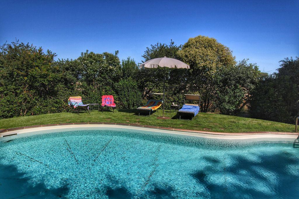 Villa met privézwembad, tussen Montepulciano en Trasimeno meer - Boerderijvakanties.nl