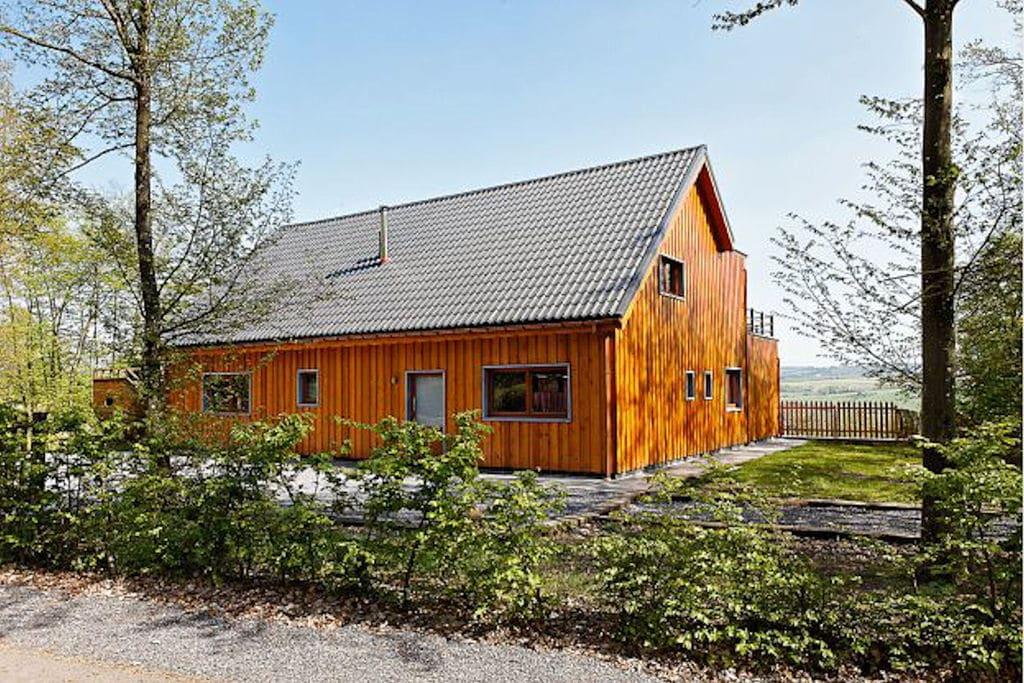 Luxe chalet in de Ardennen met een sauna en bubbelbad - Boerderijvakanties.nl