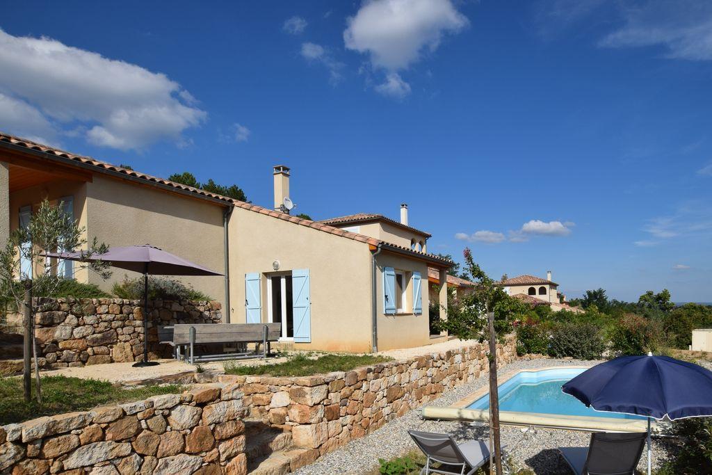Villa huren in Ardeche - met zwembad  met wifi met zwembad voor 4 personen  Deze prachtig ingerichte moderne v..