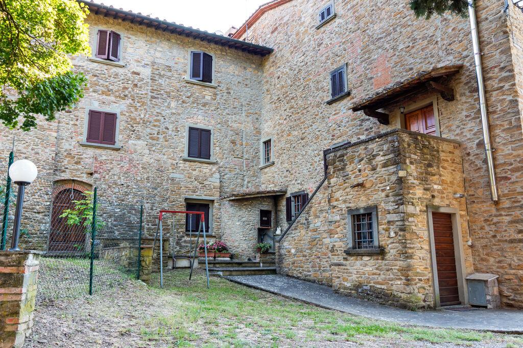 Rustig gelegen vakantiehuis bij Arezzo met gedeeld zwembad - Boerderijvakanties.nl