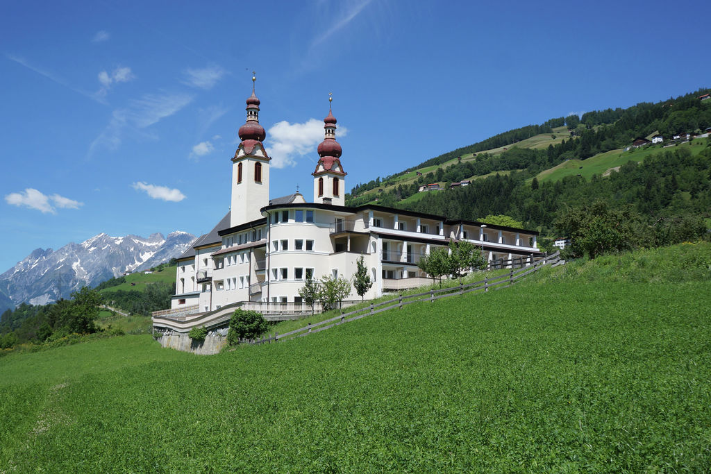 Groot luxe appartement in Tirol met panoramisch uitzicht - Boerderijvakanties.nl