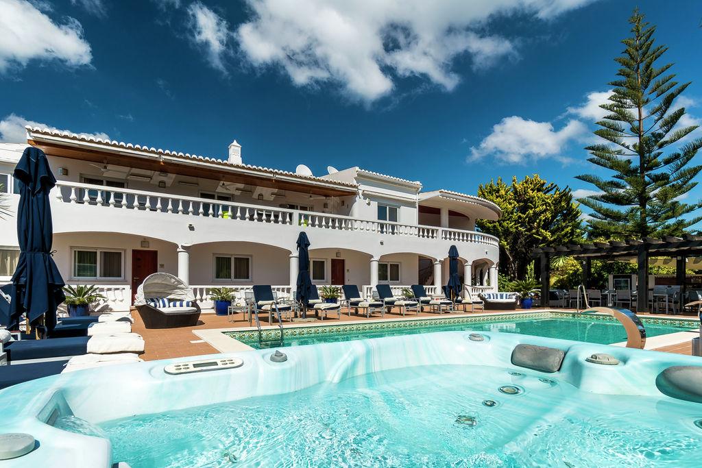Chique appartement in Lagos, Algarve, met gedeeld zwembad - Boerderijvakanties.nl