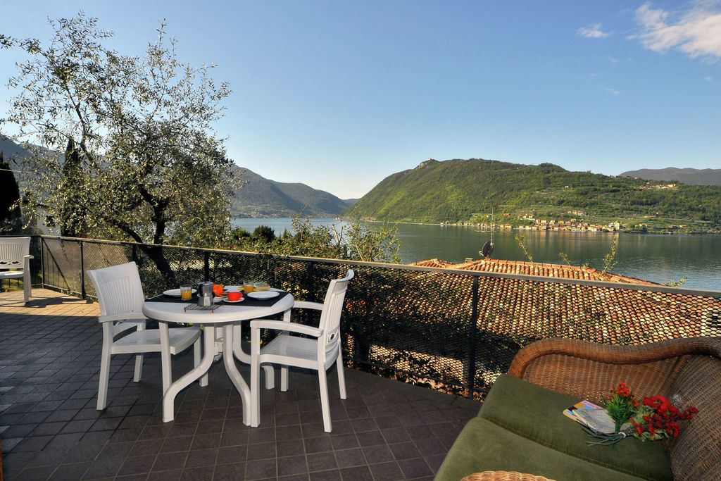 Sale-Marasino- Villa   met wifi te huur