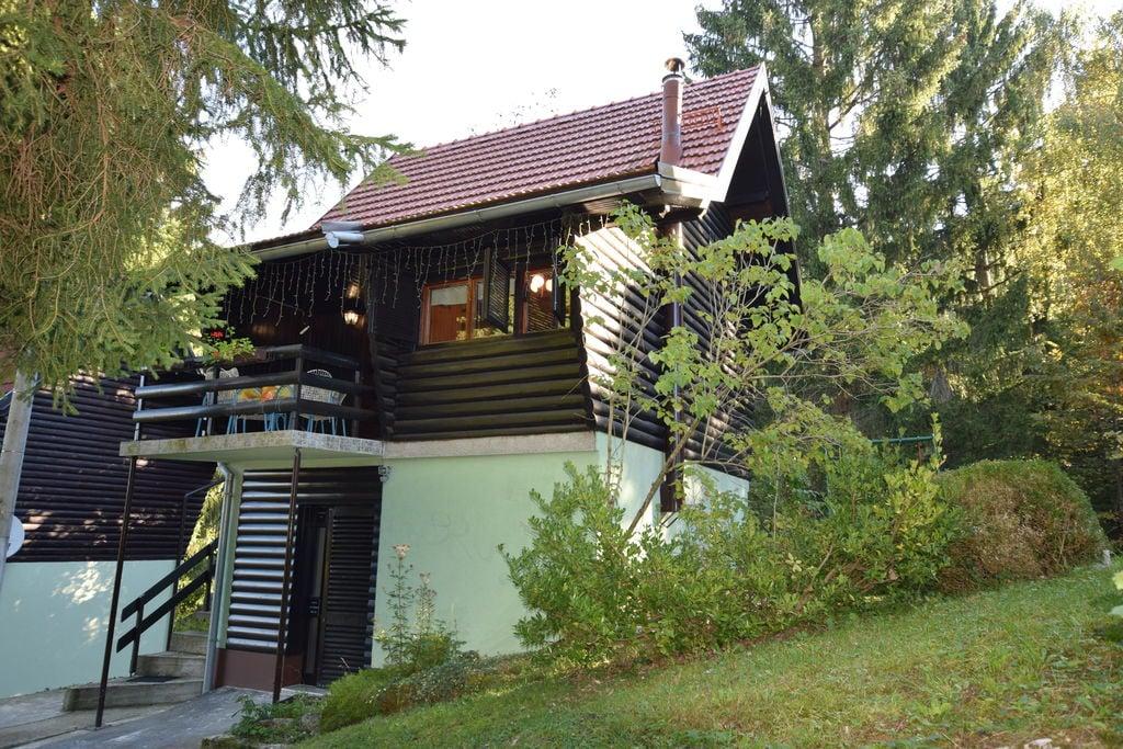 Vrijstaand vakantiehuis in Vrbovsko met dakterras - Boerderijvakanties.nl