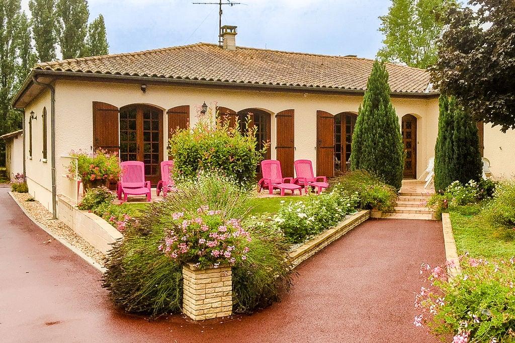 Comfortabele villa in Zuid-Frankrijk met terras - Boerderijvakanties.nl