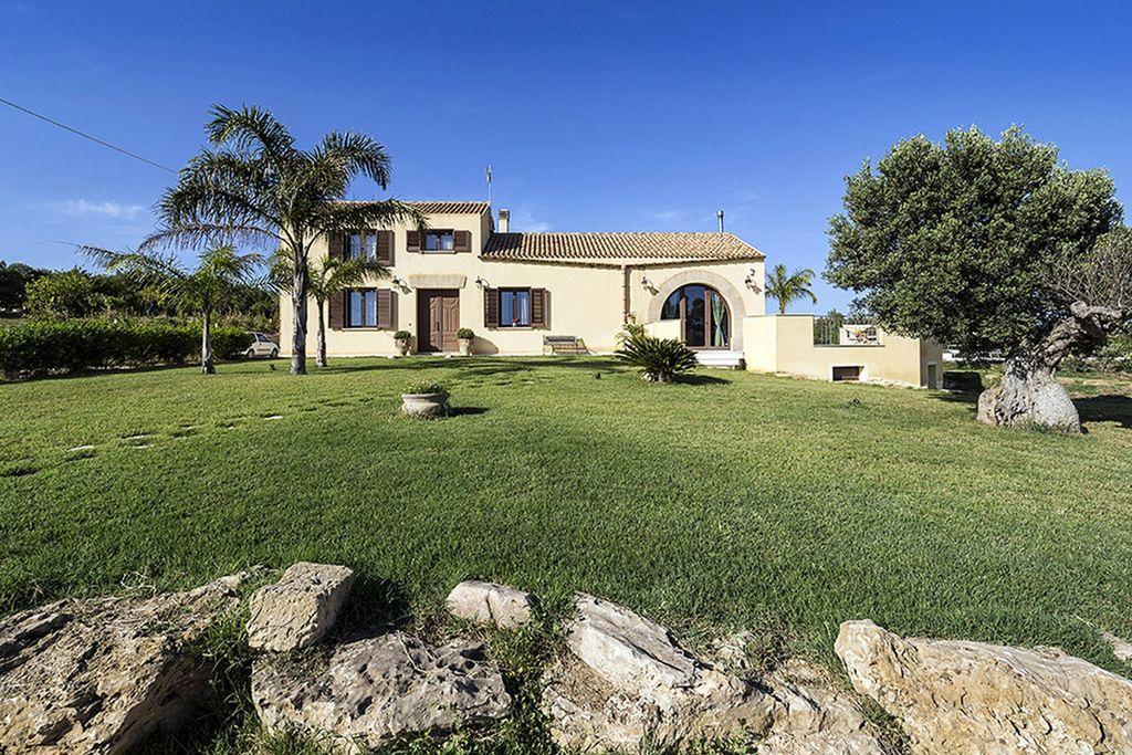 Villa huren in Paceco - met zwembad  met wifi met zwembad voor 6 personen  Dit is een prachtige villa met zwe..