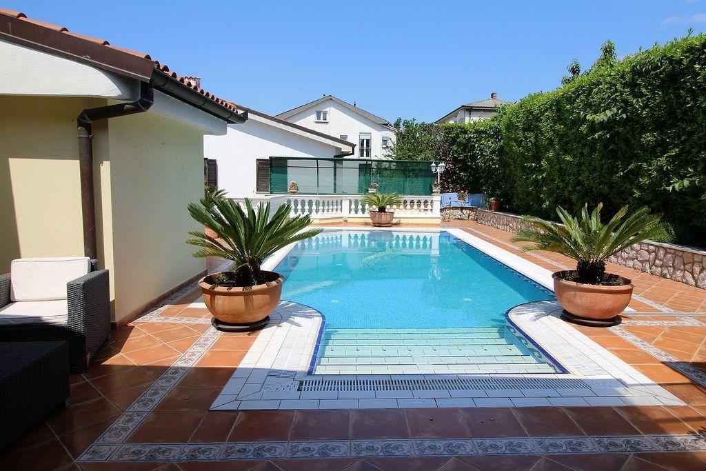 Vakantiewoningen  Kroatie te huur Kostrena- HR-51221-02 met zwembad nabij Strand met wifi te huur