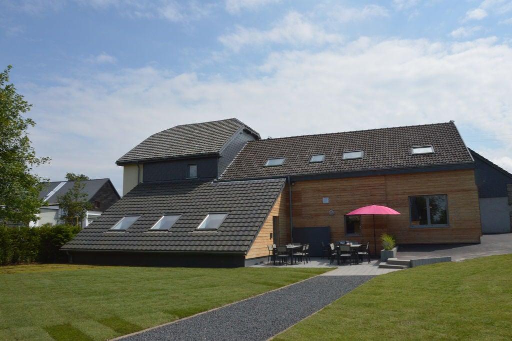 Chic vakantiehuis in Waimes met binnenzwembad en home cinema - Boerderijvakanties.nl