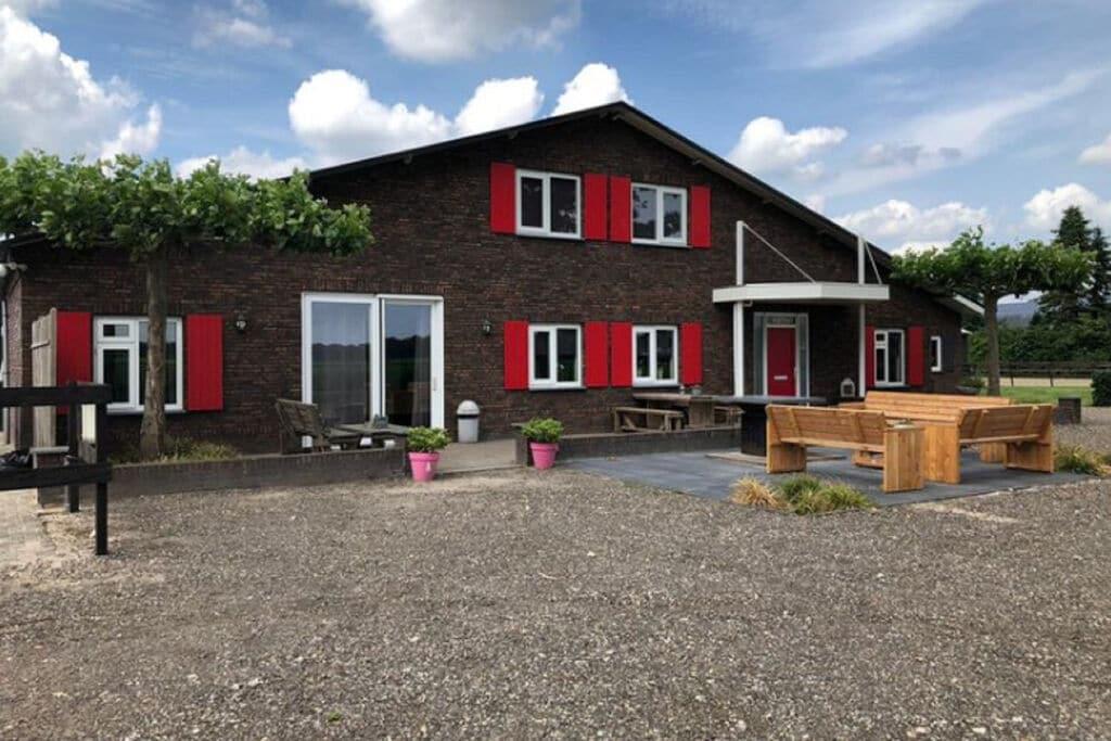 Kindvriendelijk vakantiehuis in Venhorst met een grote tuin - Boerderijvakanties.nl