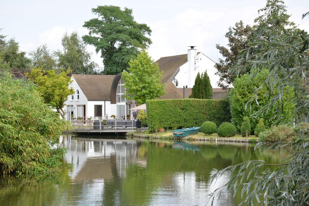 Villa huren in Henegouwen - met zwembad  met wifi met zwembad voor 12 personen  In een dorpje vlakbij Ieper en Lil..