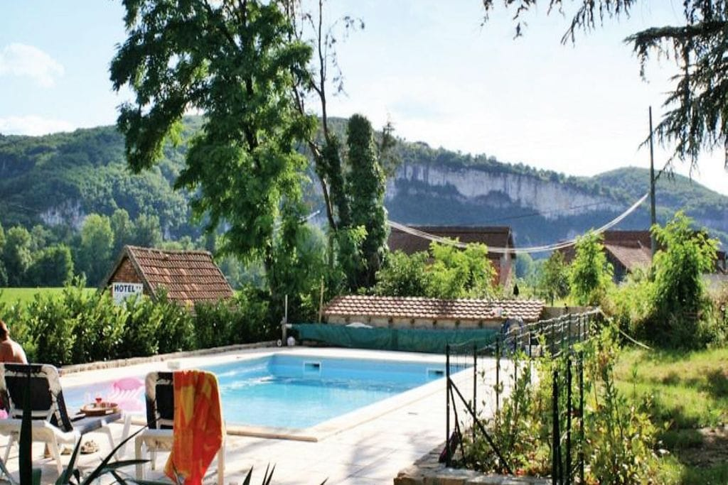Heerlijk familiehuis vlakbij St Cirq La Popie met prive zwembad. - Boerderijvakanties.nl