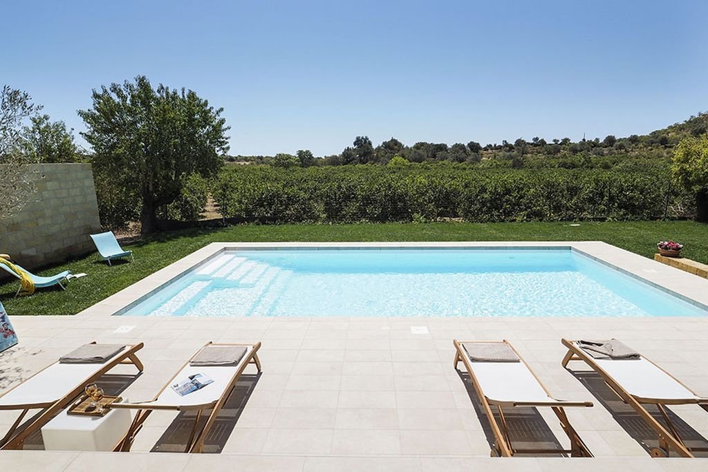 Appartement huren in Noto - met zwembad  met wifi met zwembad voor 5 personen  Appartement gelegen in de buurt va..