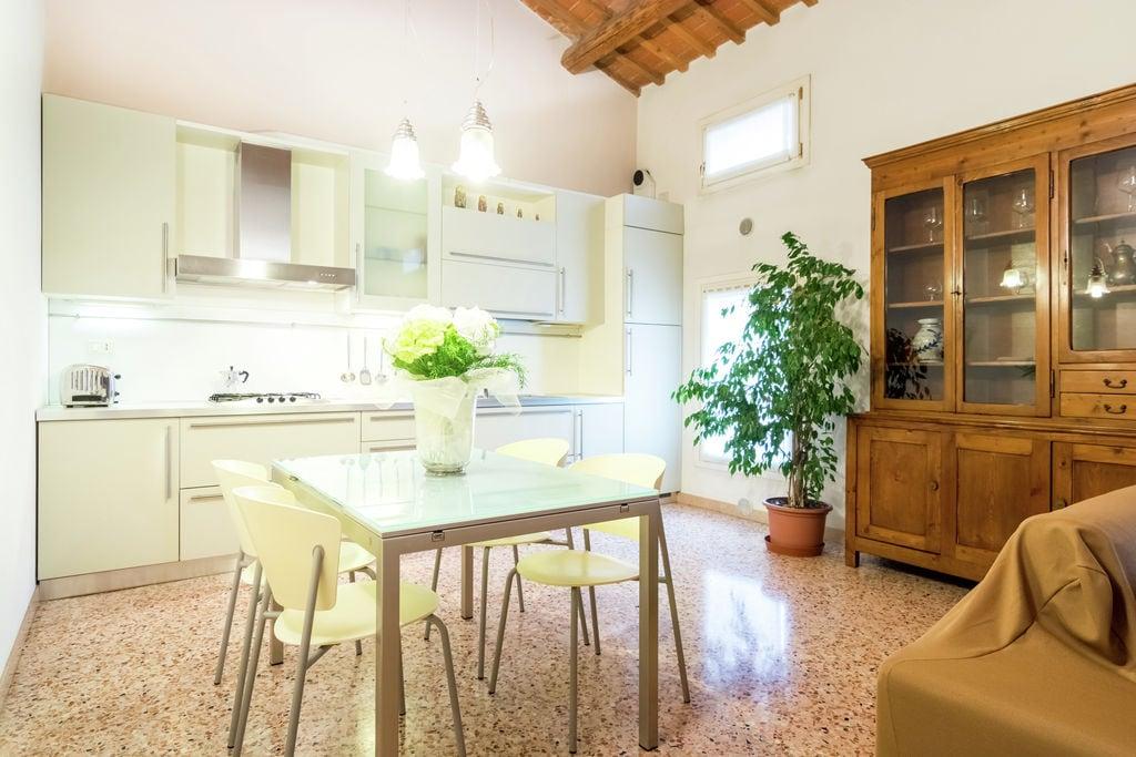 Elegant appartement in Montebello Vicentino met een tuin - Boerderijvakanties.nl