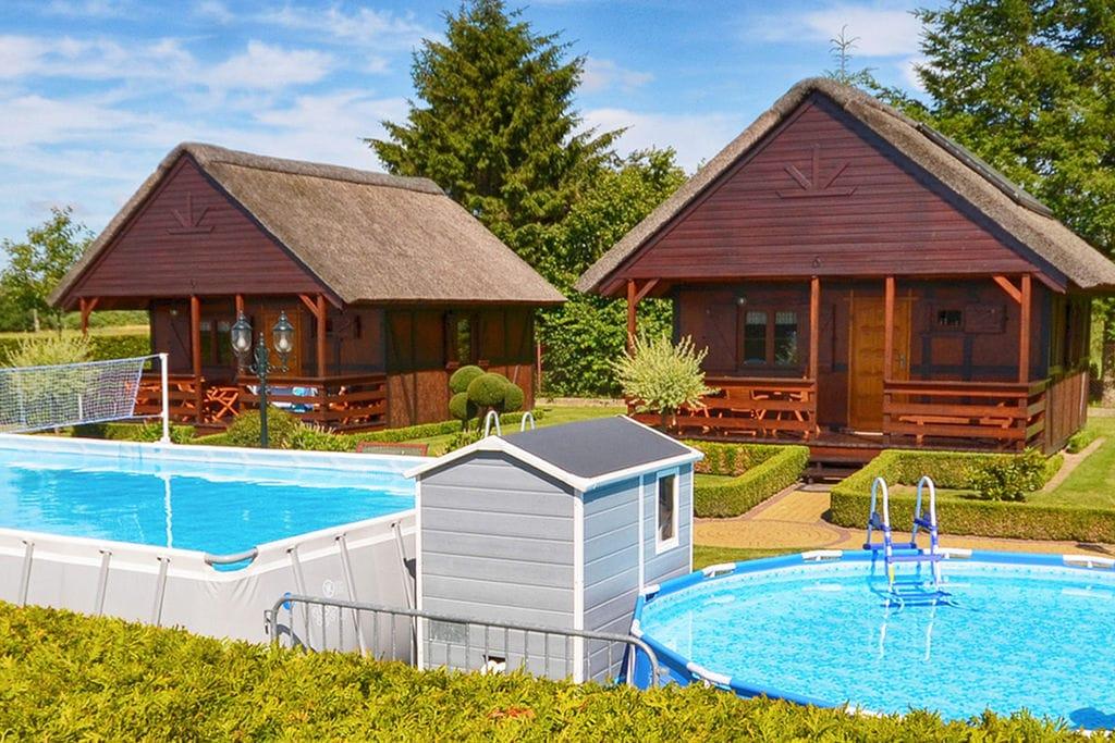 Ecologisch vakantiehuis in Domaslawice met zwembad - Boerderijvakanties.nl