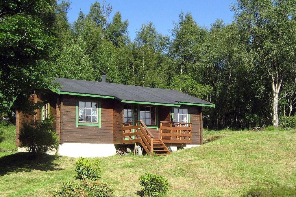 Typische bungalow in Brekke vlak bij een meer