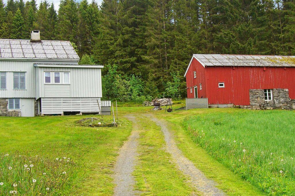40721-Birkelund
