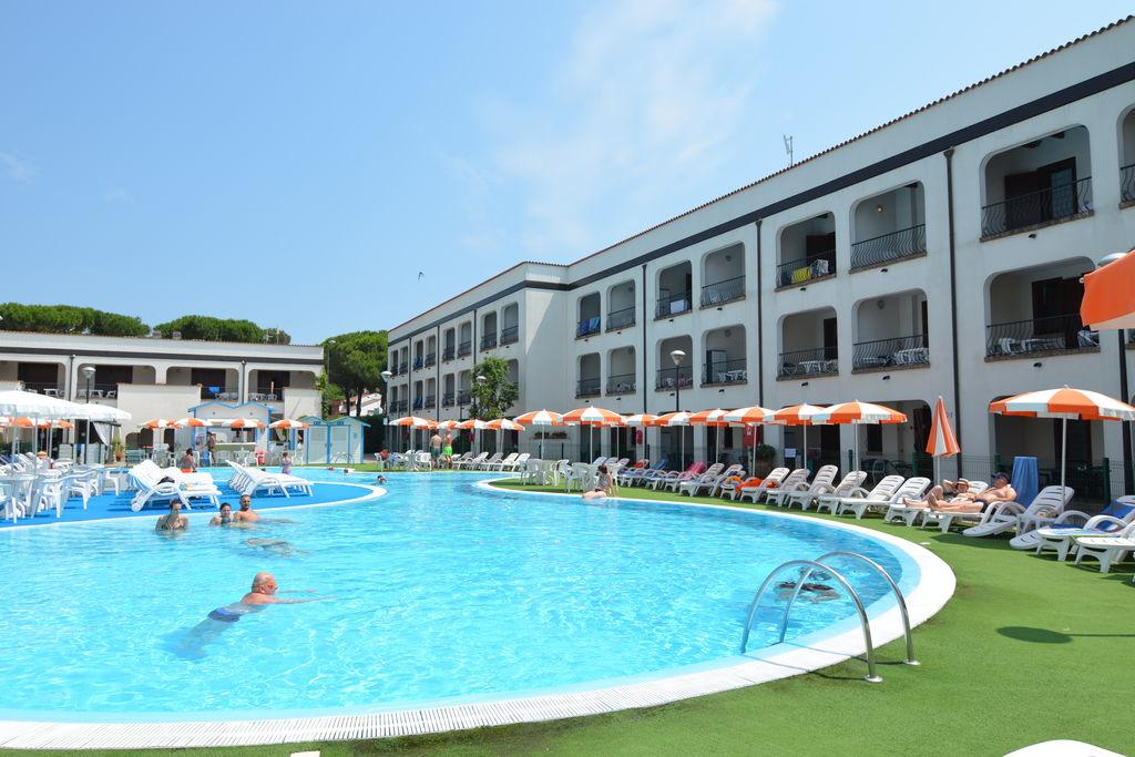 Vakantiewoning  huren Lido-di-Spina - Appartement IT-00015-36 met zwembad  met wifi