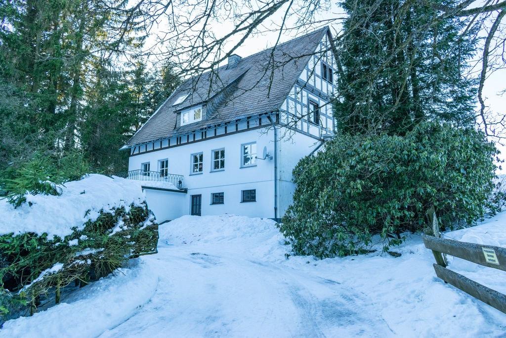 Rustig chalet in Neuastenberg vlak bij het skigebied - Boerderijvakanties.nl