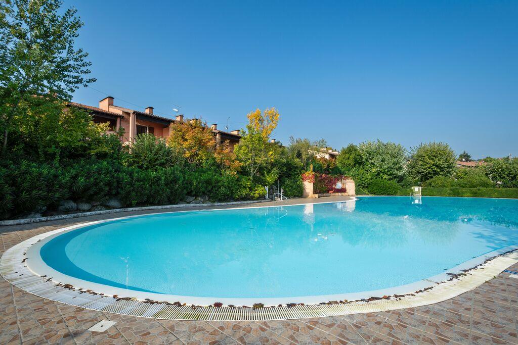 Mooi vakantiehuis vlak bij het Gardameer met zwembad - Boerderijvakanties.nl