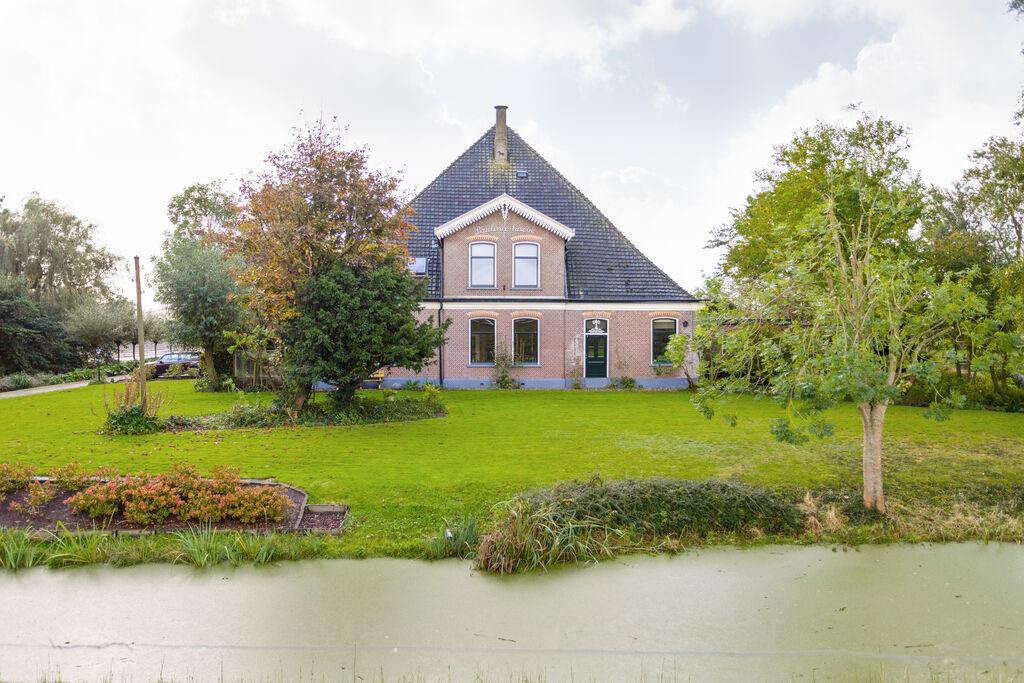 Stijlvol ingerichte boerderij nabij de stad Alkmaar - Boerderijvakanties.nl