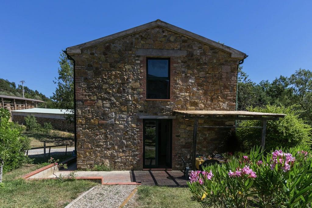 Monterotondo-Marittimo- Boerderij met zwembad  met wifi te huur