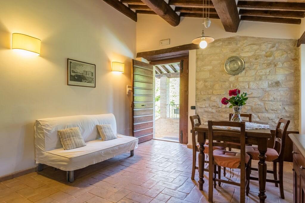 Authentiek appartement in Gubbio met jacuzzi en zwembad - Boerderijvakanties.nl