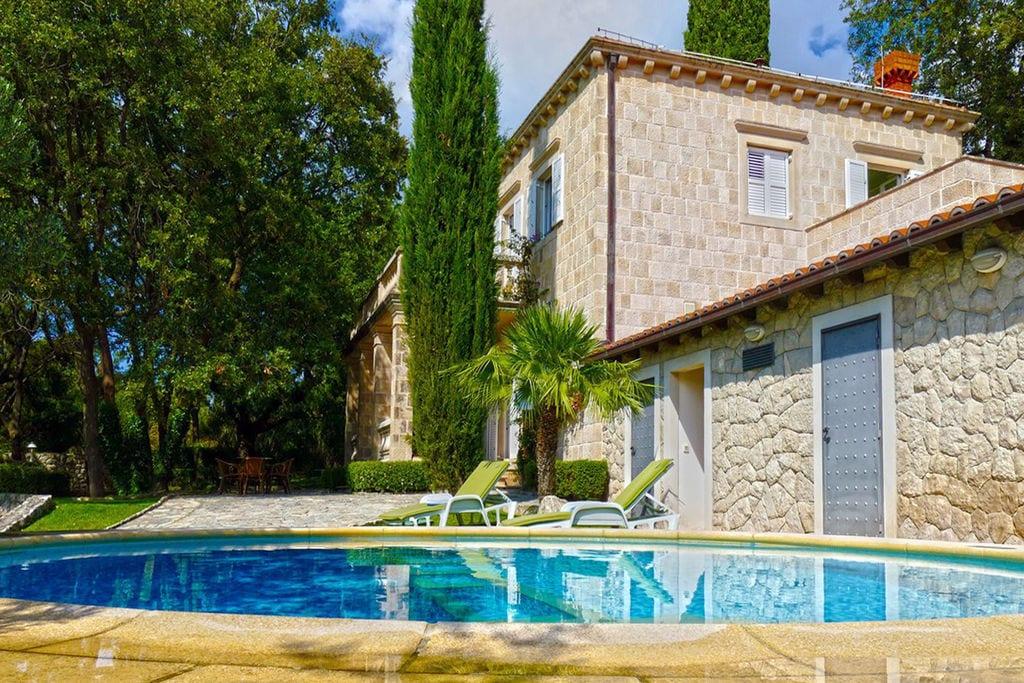 Exclusieve villa met privé zwembad, grote omheinde tuin, dichtbij Dubrovnik - Boerderijvakanties.nl