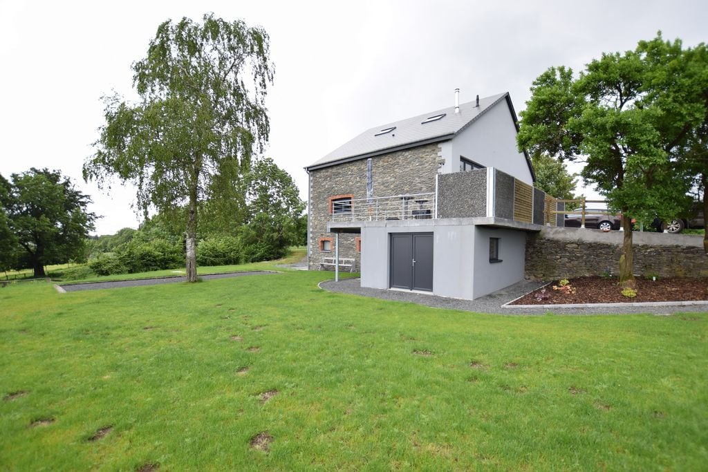 Boerderij gerenoveerd op enkele kilometers van het centrum van Bastenaken - Boerderijvakanties.nl