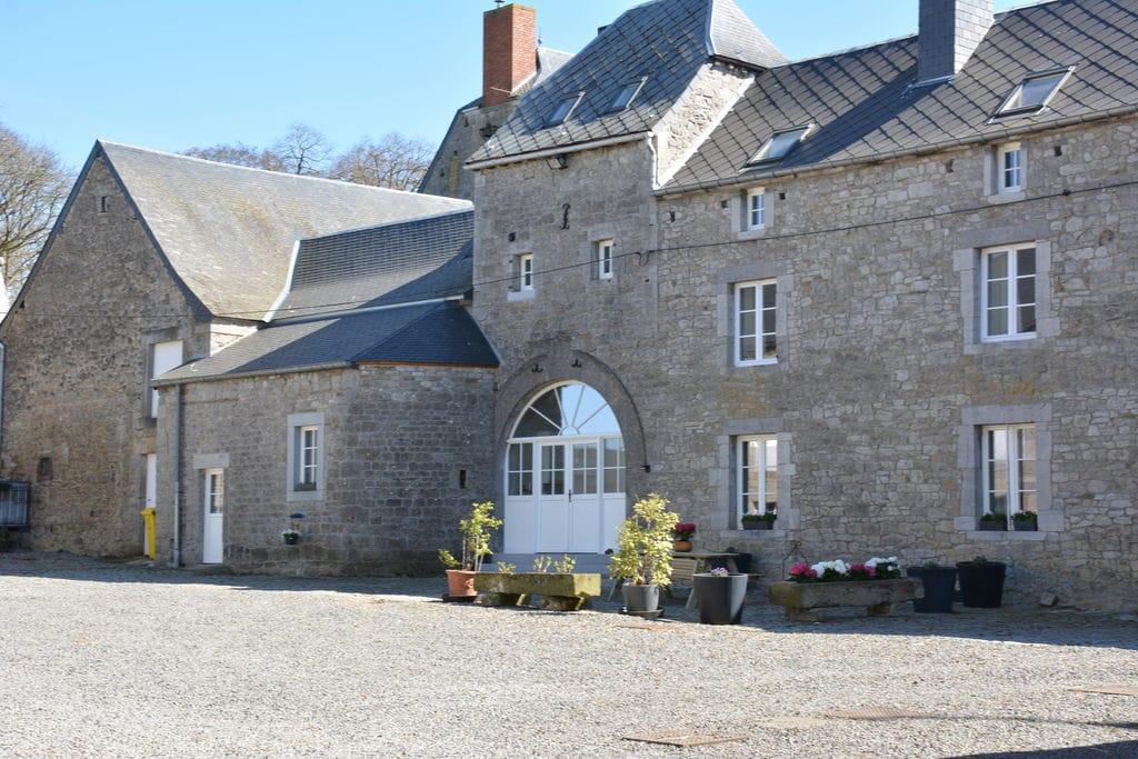 Smaakvol gerenoveerd bijgebouw van een kasteel uit de 17e , in de vrije natuur - Boerderijvakanties.nl