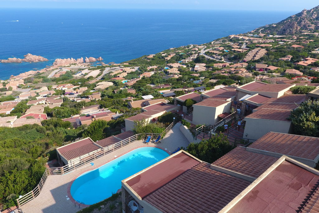 Vakantiewoning huren in Sardegna - met zwembad nabij Strand met wifi met zwembad voor 6 personen  Het huis is gelegen in een residen..