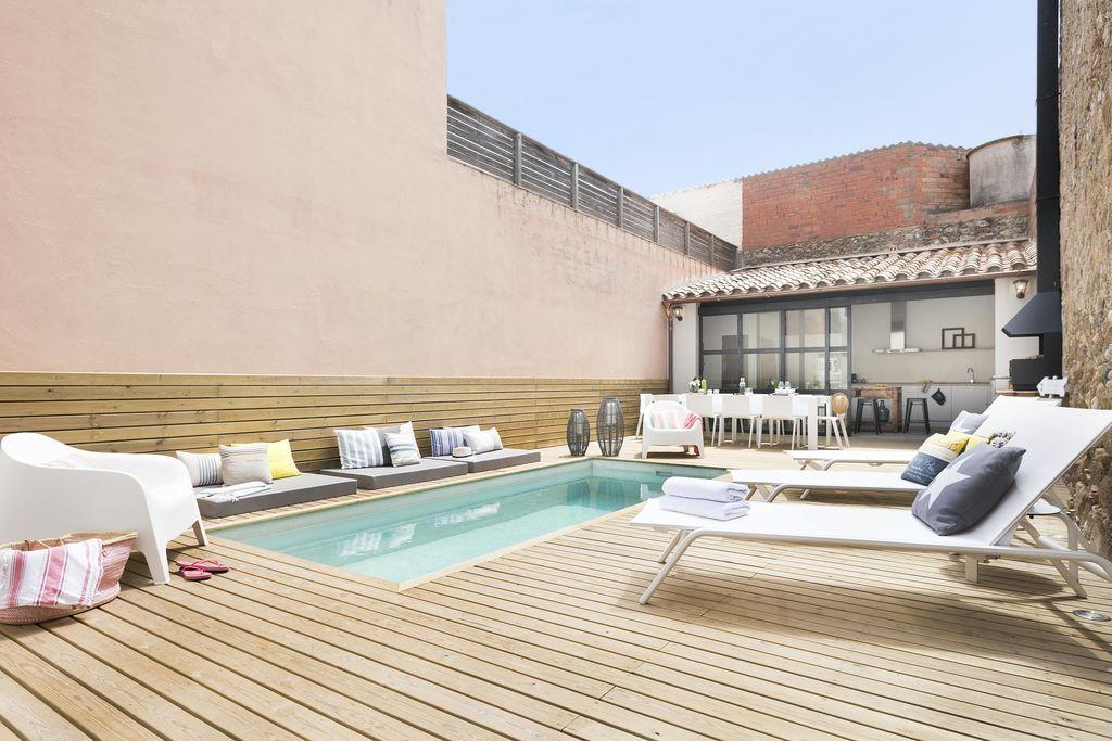 Luxueuze traditionele Catalaanse huis met zwembad in Marenya Costa Brava-Empordà - Boerderijvakanties.nl
