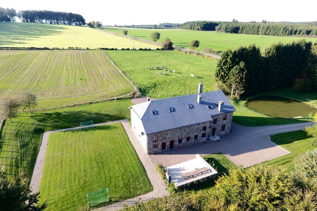 Gerenoveerde boerderij met privétuin in Gouvy - Boerderijvakanties.nl