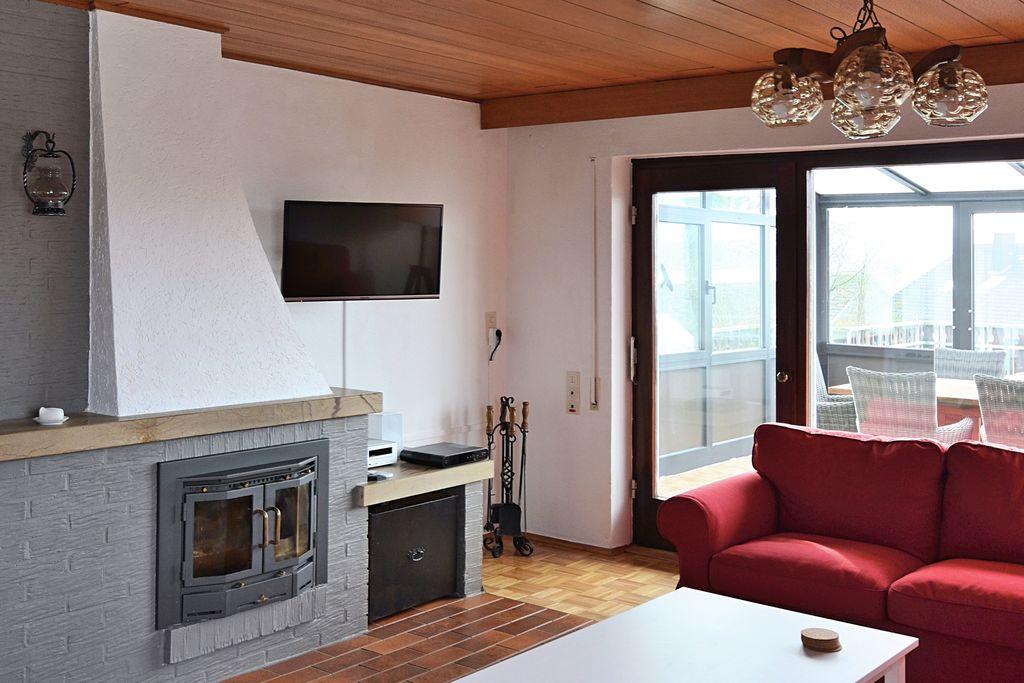 Vrijstaand vakantiehuis in Kellerwald-Edersee met een tuin - Boerderijvakanties.nl