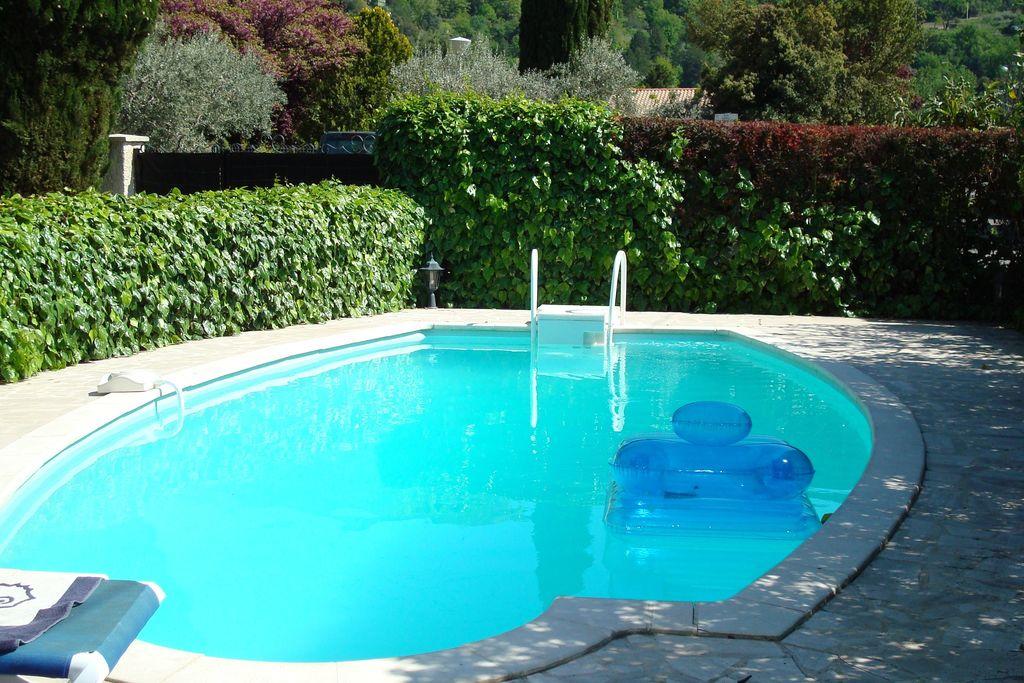 Prachtige villa in Nyons met zwembad - Boerderijvakanties.nl