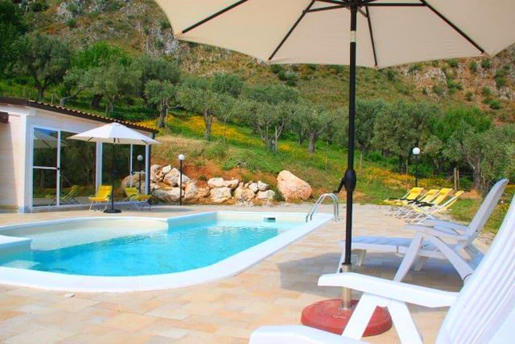 Vakantiewoning huren in San-Fratello - met zwembad  met wifi met zwembad voor 12 personen  De familie had als droom om hun ou..
