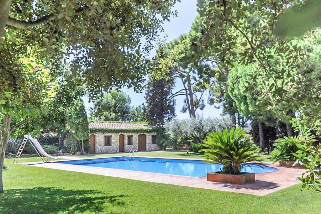 Vakantiewoning huren in Costa Dorada - met zwembad  met wifi met zwembad voor 28 personen  De Castell Resorts bestaat uit twe..