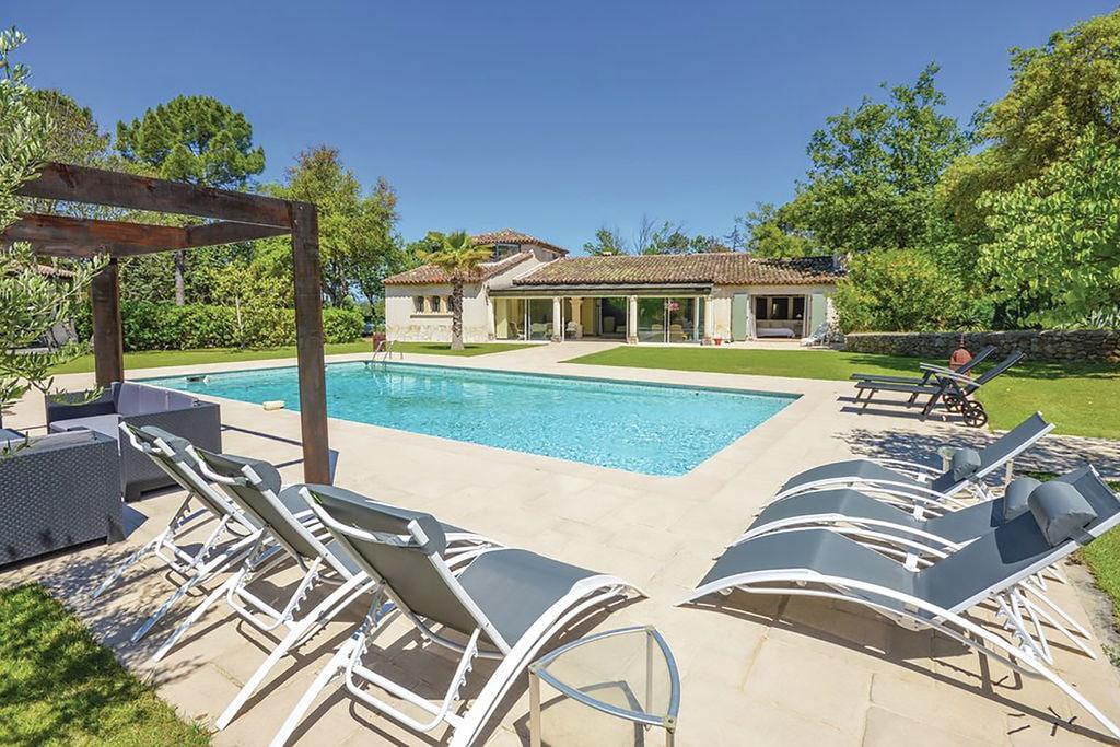 Top! Villa met verwarmde jacuzzi, privé-zwembad, grote grastuin en buitenkeuken. - Boerderijvakanties.nl