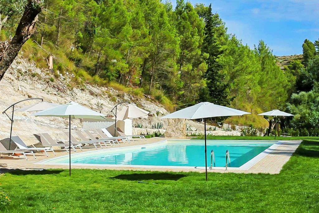 Giarratana---Ragusa- Vakantiewoning met zwembad nabij Strand met wifi te huur