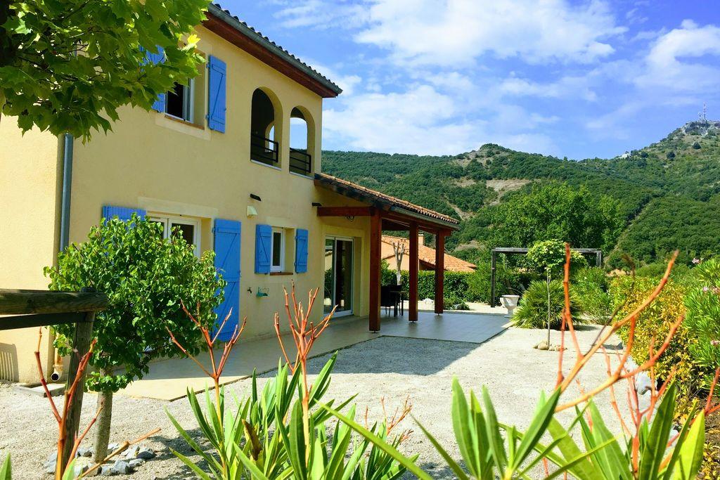 Vakantiewoning huren in Ardeche - met zwembad  met wifi met zwembad voor 8 personen  Deze prachtige villa in mediterran..