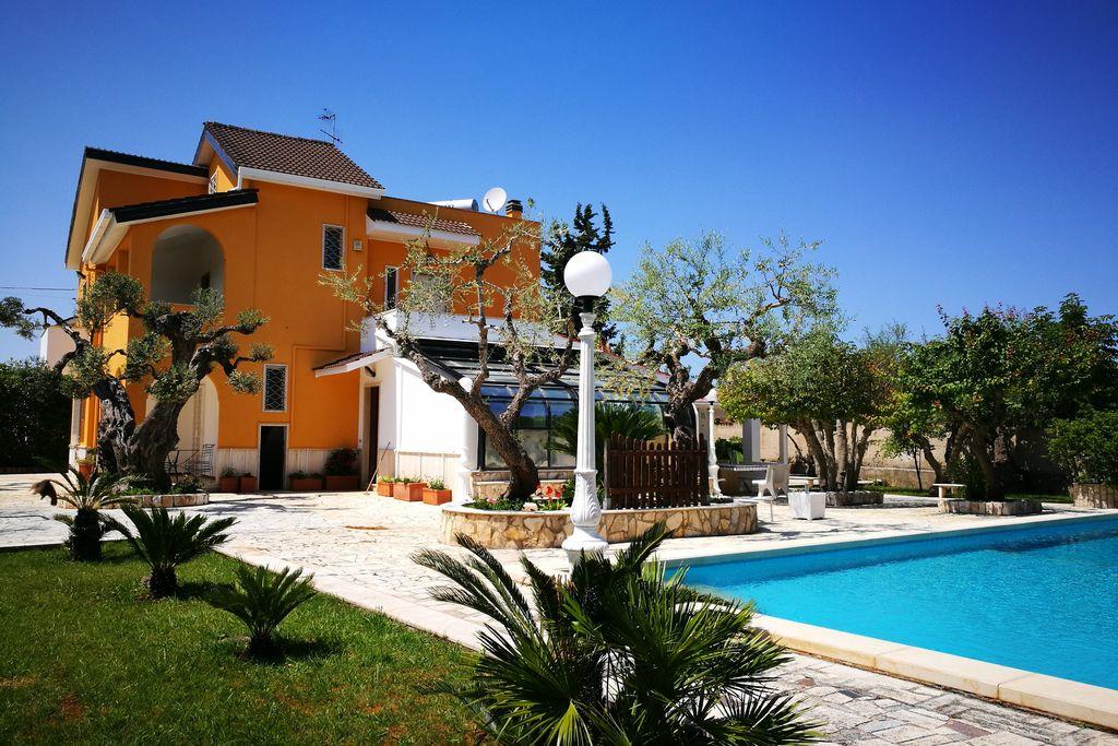 Villa huren in Puglia - met zwembad  met wifi met zwembad voor 10 personen  Vrijstaande villa met privè zwemb..