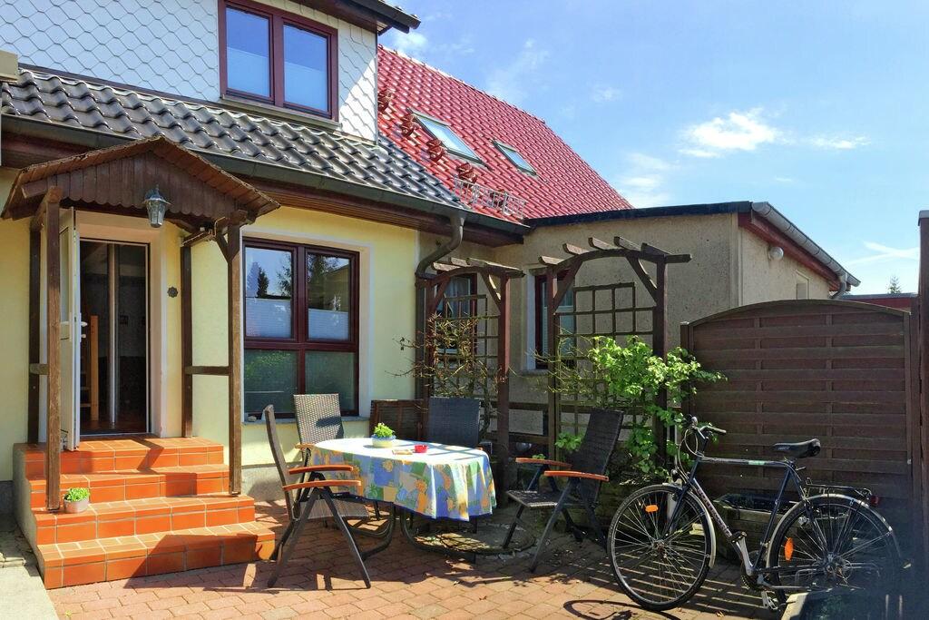 Ruim appartement in Stralsund nabij het strand - Boerderijvakanties.nl