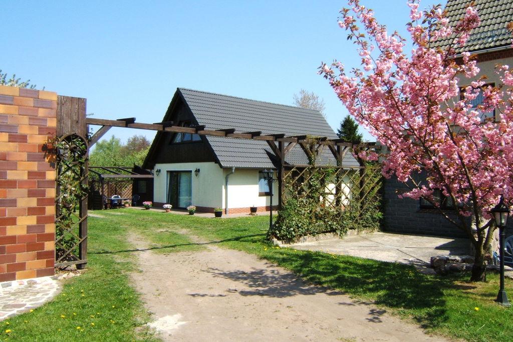 Ruim vakantiehuis in Russow, Duitsland met speeltuin - Boerderijvakanties.nl