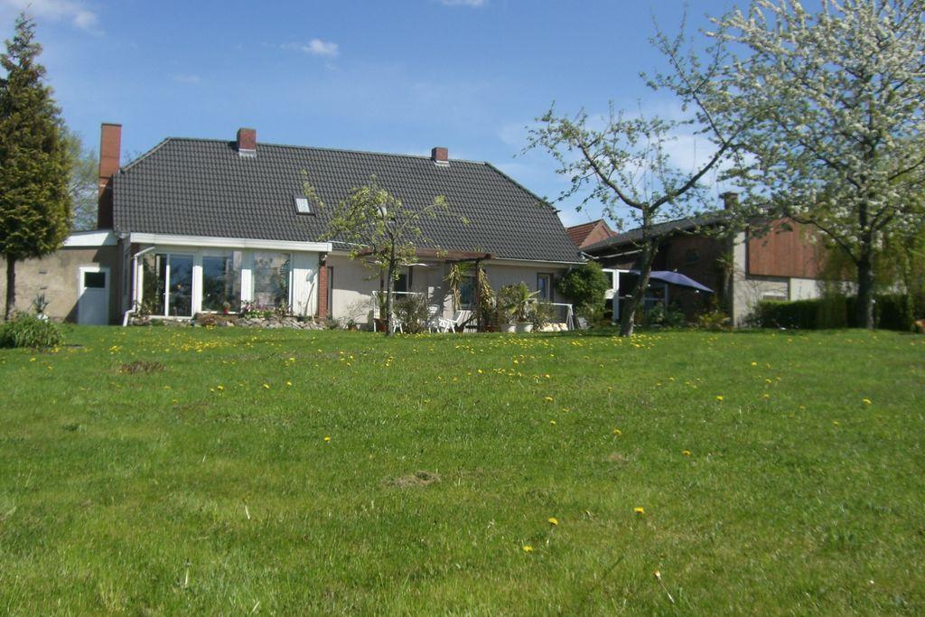 Modern vakantiehuis in Boitin, Duitsland dicht bij een meer - Boerderijvakanties.nl