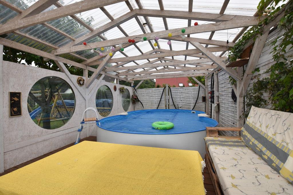 Landelijk appartement in Neuburg met een zwembad - Boerderijvakanties.nl