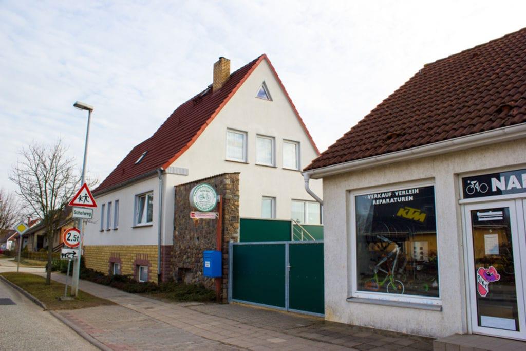 Knus vakantiehuis in Neukloster met een tuin en barbecue - Boerderijvakanties.nl
