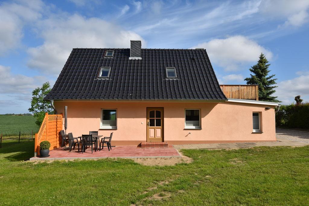 Rustig appartement in Blowatz in de buurt van de zee - Boerderijvakanties.nl