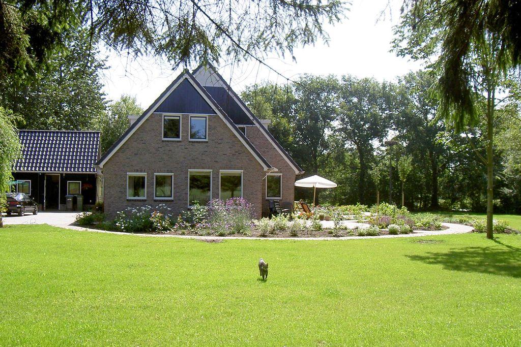 Landelijk gelegen vakantiehuis in de prachtige natuur van het Drentse bos - Boerderijvakanties.nl