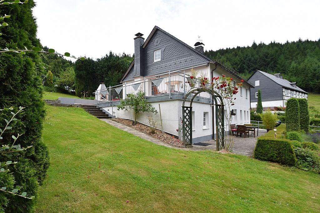Vrijstaand vakantiehuis met open haard en grote tuin met terras - Boerderijvakanties.nl