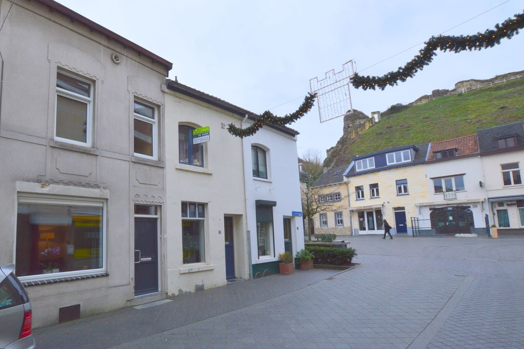 Vakantiewoning huren in Valkenburg -   met wifi  voor 6 personen  Dit authentieke huis ligt in hartj..